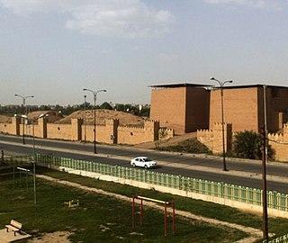 320px-Nineveh_mashki_gate_from_west
